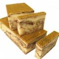 Jabón artesano de miel con propóleo, canela y cúrcuma